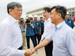 国铁集团董事长、党组书记陆东福到中铁十一局浩吉铁路施工现场调研